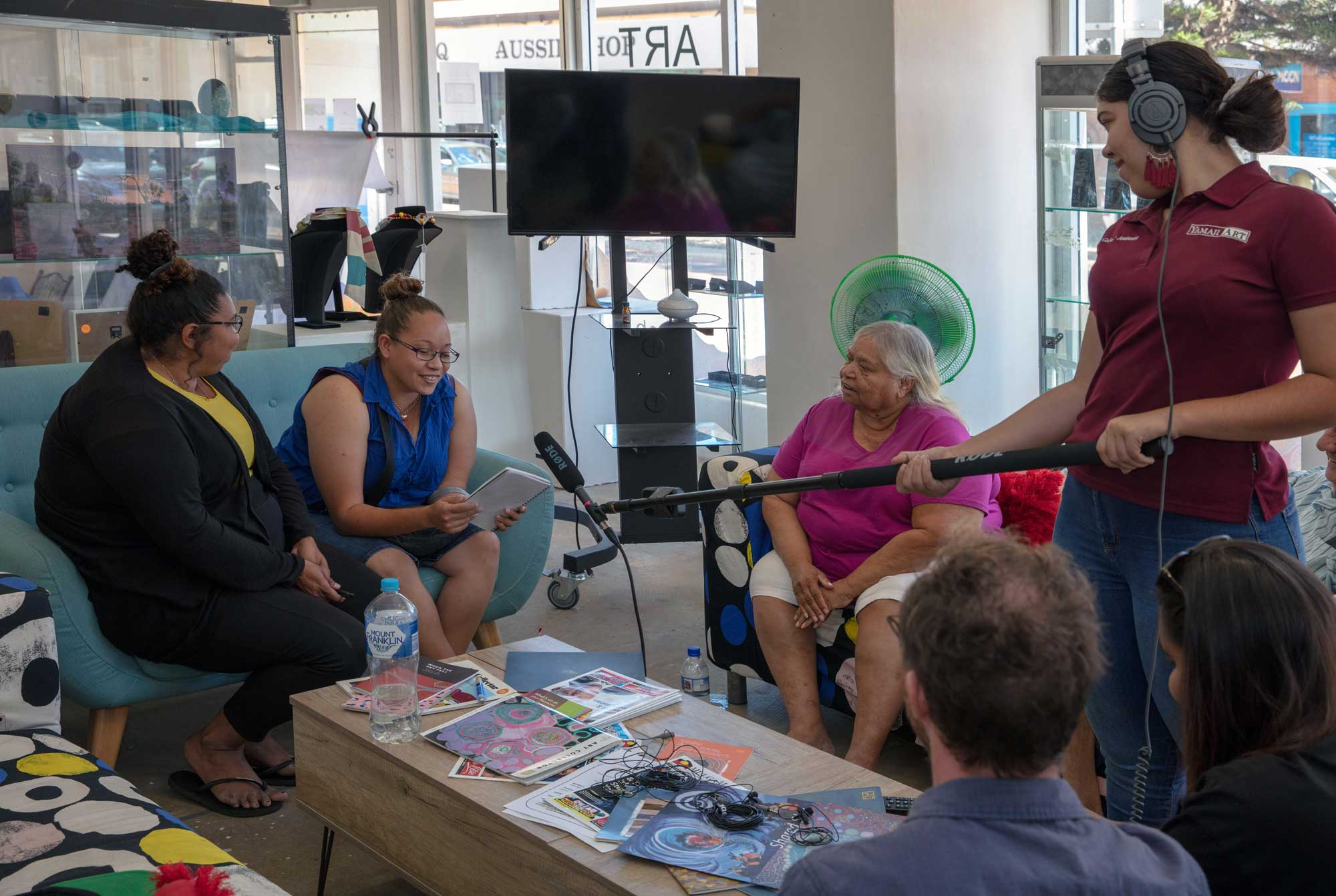 Yamaji Arts recording stories with Sohan Ariel Hayes. Photo by Glenn Iseger Pilkington